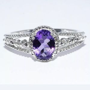 Natural oval Cut Amethyst Ring